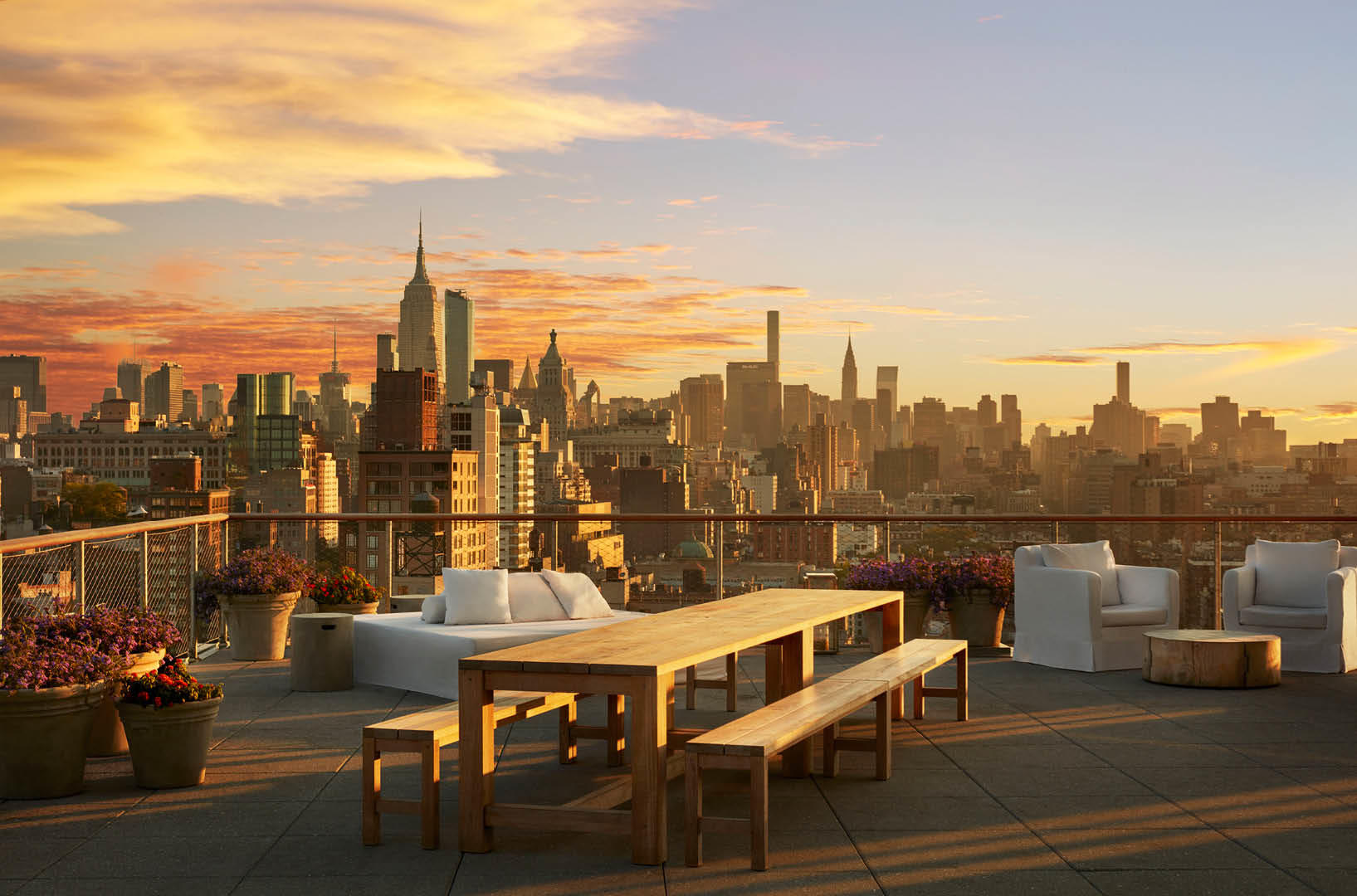 Public roof nyc sc 1 st harperu0027s bazaar for Terrace new york
